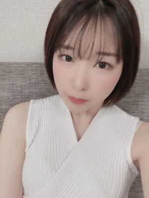 Yui (24)